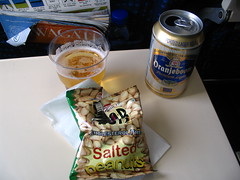 Beer and peanuts, Indian Airlines, RGN-CCU (Debarka Banik) Tags: food beer ic peanuts august 2006 iac airlinefood oranjeboom indianairlines