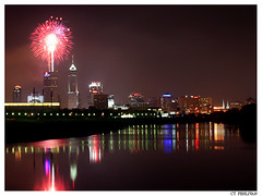4th of July fireworks of Indianapolis (CTPPIX.com) Tags: usa night america canon 350d xt fireworks indianapolis 4th indy ct indiana whiteriver ctp 4thofjuly independenceday 28135mmis ctpehlivan wwwctppixcom
