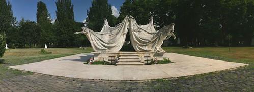 Kerepesi Cemetery - Jozsef Antall's Monument