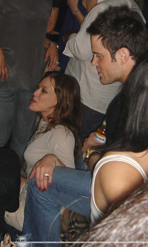 hilary-duff-club-06
