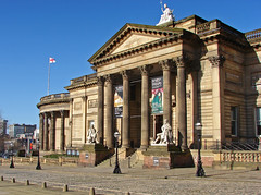 Walker art gallery (Mr Grimesdale) Tags: art liverpool artgallery columns 2008 merseyside architechure walkerartgallery capitalofculture mrgrimsdale stevewallace capitalofculture2008 liverpoolcapitalofculture2008 williambrownstreet europeancapitalofculture2008 liverpoolcapitalofculture mrgrimesdale grimesdale
