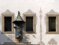 Sant Jordi (rafalopezdiez) Tags: barcelona windows sculpture espaa spain europa europe catalonia escultura ventanas catalunya bara catalua santjordi keoki barselona globetrotterism