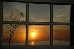 Sunset in the Window (Quasebart ...thank you for 3 Million Views) Tags: sunset brazil reflection window brasil riodejaneiro nikon d70 nikond70 paqueta brasilien 1870 flickrlovers