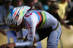 Fabien Cancellara wins the Tour de France prologue in London
