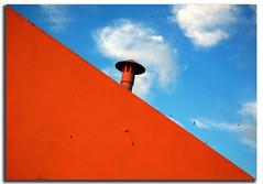 \ (BB (O.)) Tags: chimney orange portugal wall clouds faro nikon lol saturation algarve bb bkue lots swallows o interestingness3 d40 notsmoke outstandingshots nikonstunninggallery superaplus aplusphoto juniorwomble superbb justcloudsmydear nowits232damnexplore