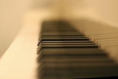 White Piano - by lastquest
