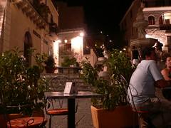 Taormina - Un lato di Piazza Duomo (Luigi Strano) Tags: italien italy travels holidays europa europe italia trips sicily taormina italie sicilia messina vacanze sicile sizilien