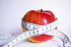 10cm in 1 month/ 10 centi 1 hónap alatt (mogyorocska) Tags: red food closeup healthy all dof pentax health numbers colored 1855mm diet coloured aple tapemeasure kx pentaxkx