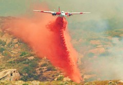 CAL FIRE S-2T (Flyin' J) Tags: fire cal fighting bomber retardant
