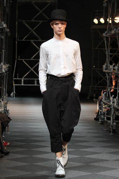 Loammi Goetghebeur3027_SS11_Tokyo_LIMI feu(Fashionsnap)
