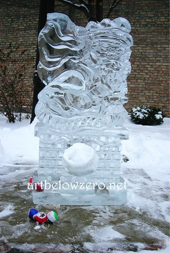 Santa Ice Toss ice sculpture