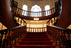 Abgineh Museum (P.J.P) Tags: red museum architecture stairs iran tehran ایران 2007 تهران d80 abginehmuseum آبگینه