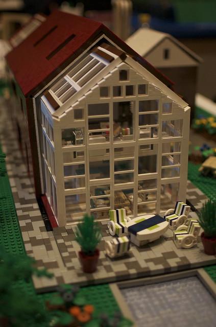 Sliding House 2