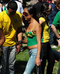 56th Annual North Beach Festival () Tags: sf sanfrancisco street camera parque party brazil vacation woman holiday sexy sport festival nikon chica fussball candid curves thecity fair brasilien smoking jeans drinks northbeach bonita washingtonsquare faire paparazzi garota praa mulheres latina soire cleavage littleitaly 70300mm mujeres parc rtw rippedjeans futebol busty brasile stacked blockparty brastrap vacanze morena calcio brsil roundtheworld sfist streetparty globetrotter braziliancolors  brazili lamorena saofrancisco schn northbeachfestival tornjeans northbeachfair  worldtraveler  brazilcolors d700 nikond700