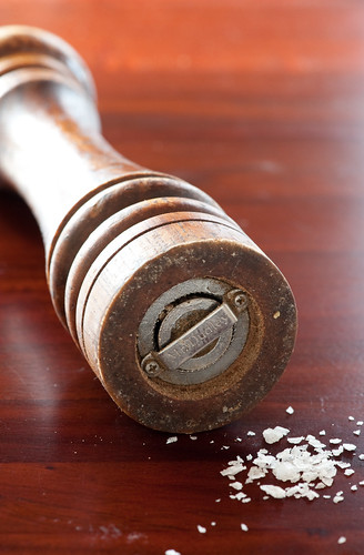 pepper grinder with sea salt