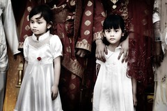 Little Angel... (wazari) Tags: wedding portrait people cute kids angel malaysia johor muar malaywedding muslimculture muslimwedding perkahwinanmelayu abigfave aplusphoto ysplix faizalandaisyah imageofasia