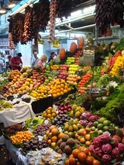 boqueria market barcelona (austinevan) Tags: barcelona food frutas fruits spain market bcn mercado boqueria vegetales evanlawrencebench