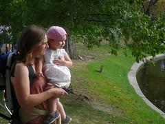 cassie and charlotte watch the ducks (alist) Tags: baby girl boston toddler alist robison bostonmass charlottelasky cassiecleverly alicerobison kerriekephart ajrobison charlottehaydenlasky ericlasky