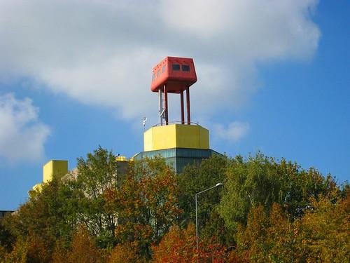 Unser Physikzentrum mit dem roten Knubbel