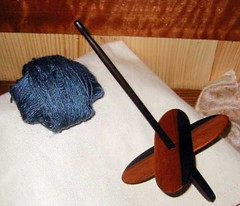 Traveller Turkish Spindle and its Yarn Cake