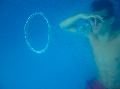 Tbo's Bubbles (Josh Work (Zippy)) Tags: underwater air rings bubble