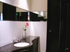 錢櫃中華新店一樓的廁所