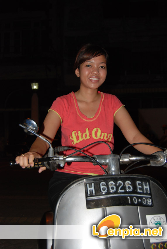 nining on scooter