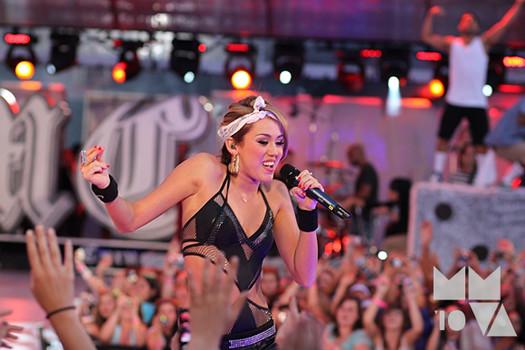 Miley-Cyrus-MMVA-2