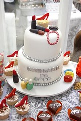 BOLOS DECORADOS / PERSONALIZADOS (Atelier Tati Bonotto) Tags: bolos minibolos bolodeaniversario bolosartisticos bolosdecorados bolosdecasamento bolocenografico bolospersonalizados bolocompastaamericana