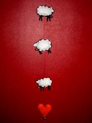 Trois moutons et un coeur - by asleeponasunbeam