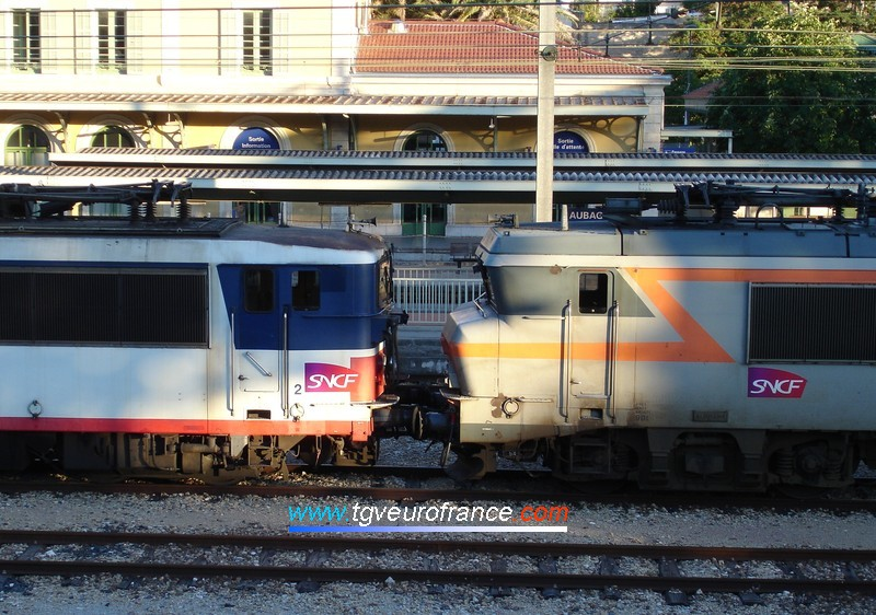 A coupling between a BB25500 (the BB25602 locomotive) and a BB22200 (the BB22339 locomotive)
