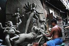 creator/creation | Kumartuli (arnabchat) Tags: street sculpture india art statue canon artist traditional statues double clay idol unfinished favs kolkata bengal puja calcutta durga 400d kumartuli arnabchat arnabchatterjee