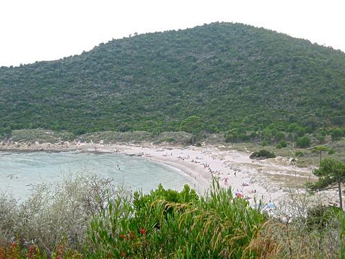 Plage de Fautea au Sud de la Punta di Fautea et de sa tour