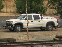 Union Pacific 62711 Chevrolet 2500 HD Hy-Rail Truck 1 (Jack Snell - USA) Tags: railroad chevrolet train truck way pacific union rail boom maintenance mow hd sterling 2500 hyrail of mofw 62570 62711