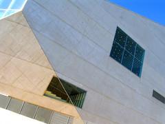 Oporto 23.jpg (Quique Lpez) Tags: portugal porto msica koolhaas oporto artemoderno arquitecturaportuguesa