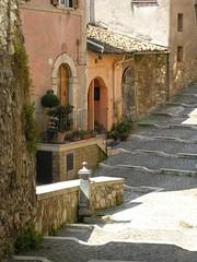 ferentino (g.fulvia) Tags: trip italy roads middleages vie lazio medioevo ciociaria ferentino anticando