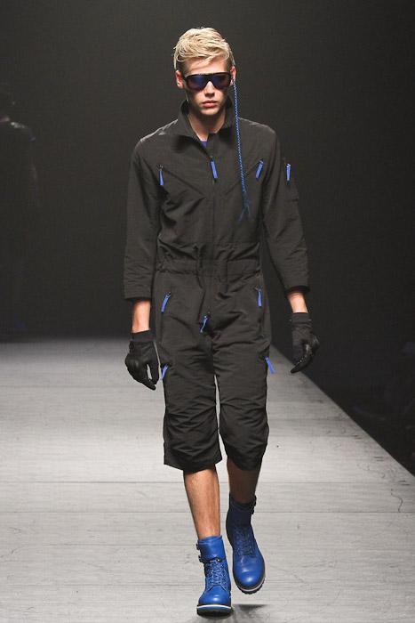 Jo Milnes3029_SS11_Tokyo_VANQUISH(Fashionsnap)