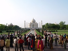 Crowds at the Taj Mahal