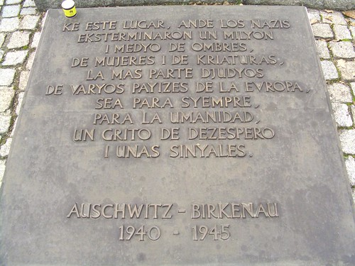 Placa en Birkenau