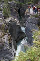 Day 4: People and Maligne Canyon (subindie) Tags: canada jasper alberta icefieldsparkway