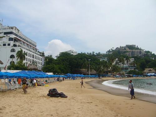 Playa la Caleta ubicada en el Acapulco Tradicional
