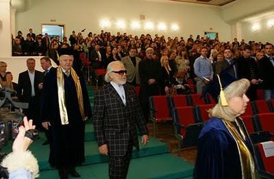 Antonio Meneghetti - Associação Internacional de Ontopsicologia - Ucrânia - 2009 - entrada auditório