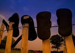 Orchard Beach Sandals (asolomon16) Tags: ny nikon bronx tamron lightroom cokin orchardbeach 18200mm tamron18200mm d80 nikond80 cokinfilters