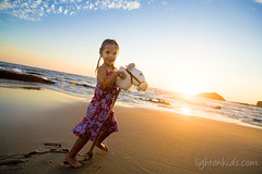 my little horse (david_CD) Tags: ocean girls sunset sea portrait horse sun david beach kids children fun play losangles childish lightonkids