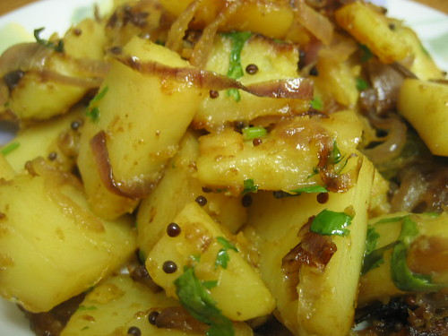 Finally, stir in the potatoes.