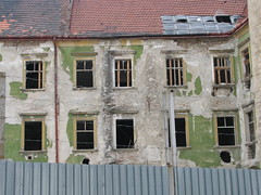 Dcrpitude (**Anik Messier**) Tags: ruins slovakia bratislava ruines slovaquie