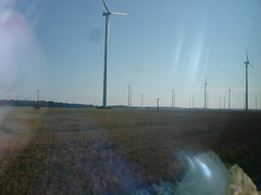 DSC00011 (MyThomas) Tags: blue windkraftrder