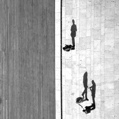 from above... my squared edition ;) (...storrao...) Tags: wood bridge people blackandwhite bw portugal walking shadows noiretblanc nb bn explore porto passing ribeira pretobranco dluiz portografia phvalue storrao sofiatorro