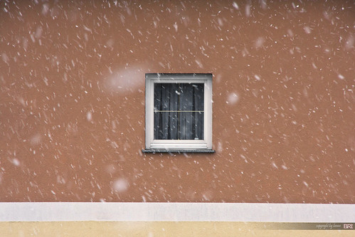 snow_and_window