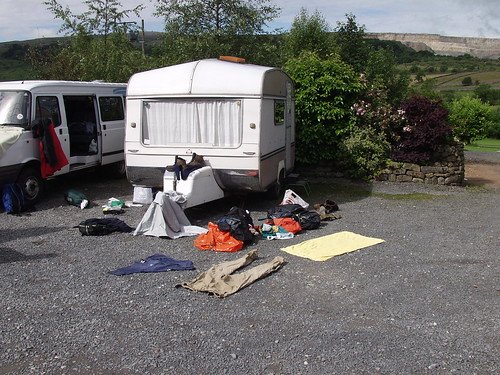 10h00'55'' P217 - Drying Clothes, Carpark, Horton